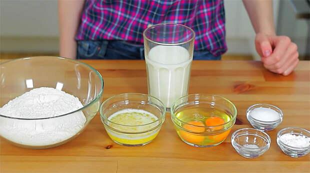 Жарим оладьи на сухой сковороде без капли масла. Получилось очень пышно и совсем нежирно