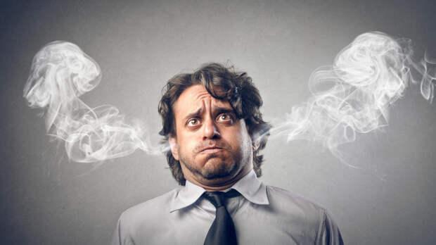 Иммунолог заявил о связи между инсультами и длинной рабочей неделей