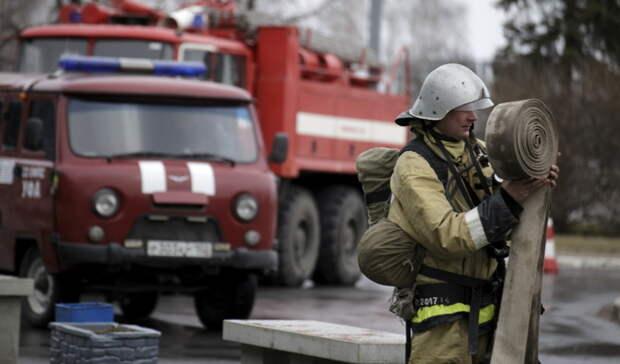 В Оренбурге из горящей квартиры на ул. Салмышской спасли 14 человек