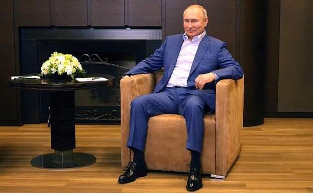 Путин обсудил с главой Роспотребнадзора Поповой меры борьбы с коронавирусом