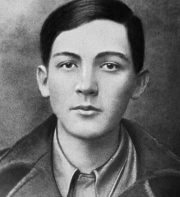 Отряд немцев на 16-летнего мальчишку: Как погиб неуловимый Сашка Чекалин