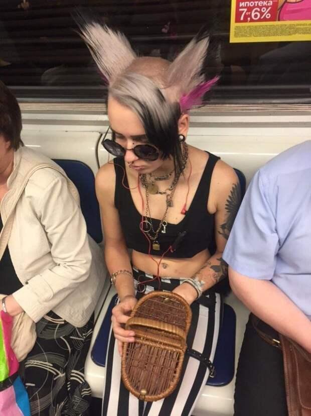 Модники из метро - это отдельная каста безвкусица, мода, прикол, россия, улица, фрик, юмор