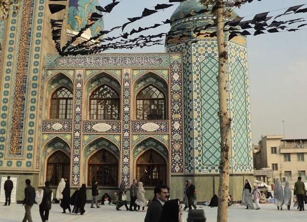 Коронавирус поразил парламент Ирана: заражены 23 депутата