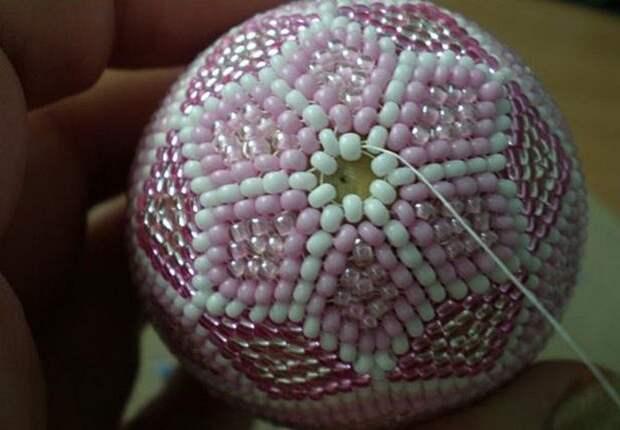 пасхальное яйцо из бисера схема плетения пошагово