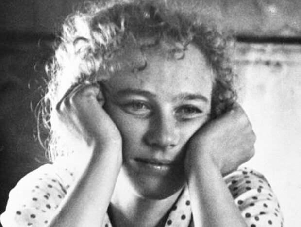 Ия Саввина в фильме *История Аси Клячиной, которая любила, да не вышла замуж*, 1966   Фото: kino-teatr.ru