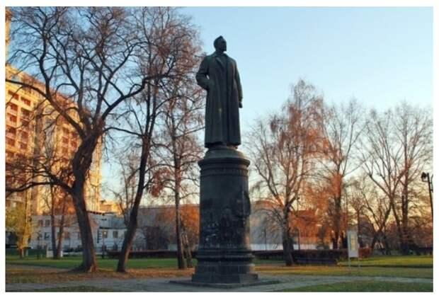 BBC: власти намерены поставить памятник Невскому, а не Дзержинскому на Лубянке