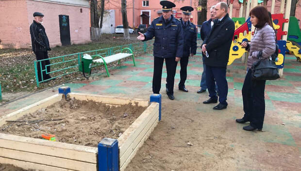 Начальник Госадмтехнадзора выявил нарушения в благоустройстве дворов Подольска