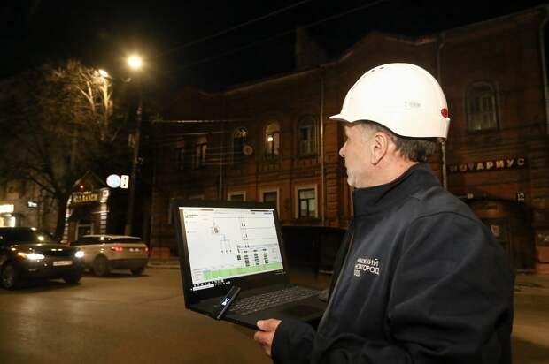 На улицах Нижнего Новгорода стало светлей: как в городе модернизируют систему освещения