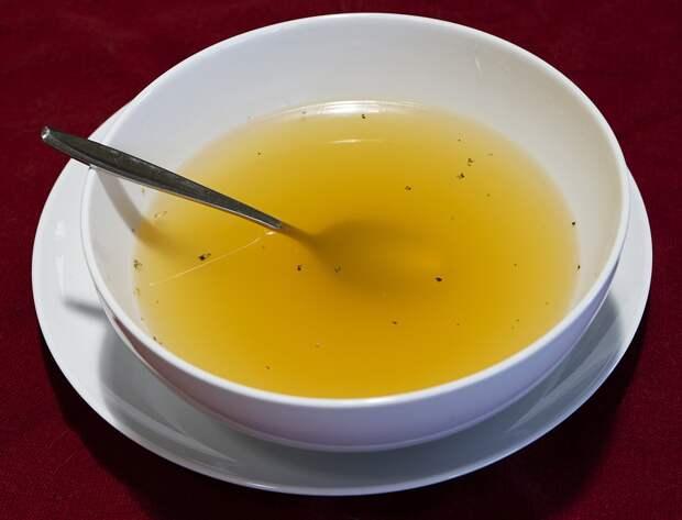 Секреты настоящего казахского бешбармака: прозрачная сурпа, вкусное мясо и тонкие лепешки