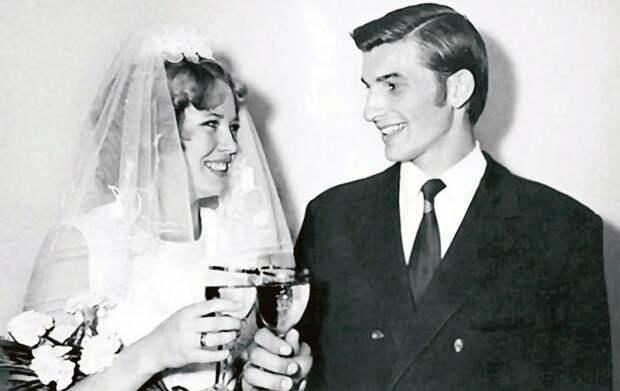Какой была свадьба великого советского хоккеиста Третьяка. Банкет в гостинице «Украина» и «сухой закон» для жениха
