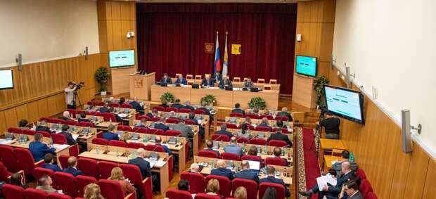 Кировские депутаты разрешили себе голосовать из других стран