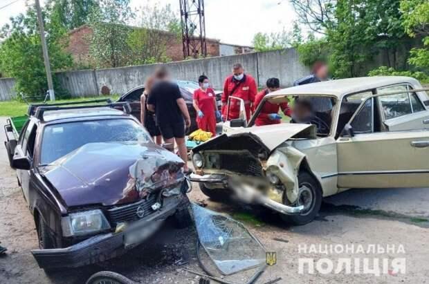 В ДТП в Миргороде пострадали три человека