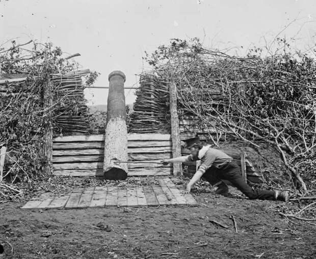Quaker Gun близ Сентервилля, штат Вирджиния, в марте 1862 г.