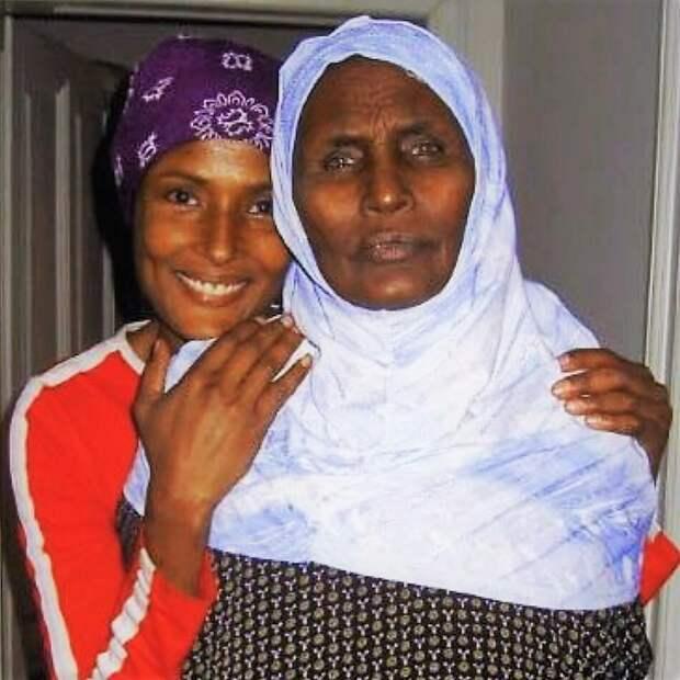 Девочка из Сомали жила в пустыне среди дикарей и ходила босиком. Спустя годы она стала топ-моделью и послом ООН