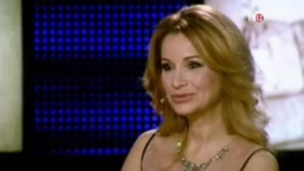 """Ольга Орлова """"засветилась"""" на видео Джигана в танце с седоволосым мужчиной"""