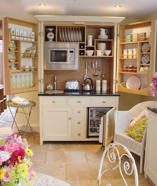 Раздвижной модульный кухонный гарнитур для малогабаритной кухни.