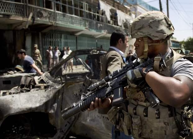 США пытаются выбраться из безвыходного афганского тупика. Колонка Евгения Беня