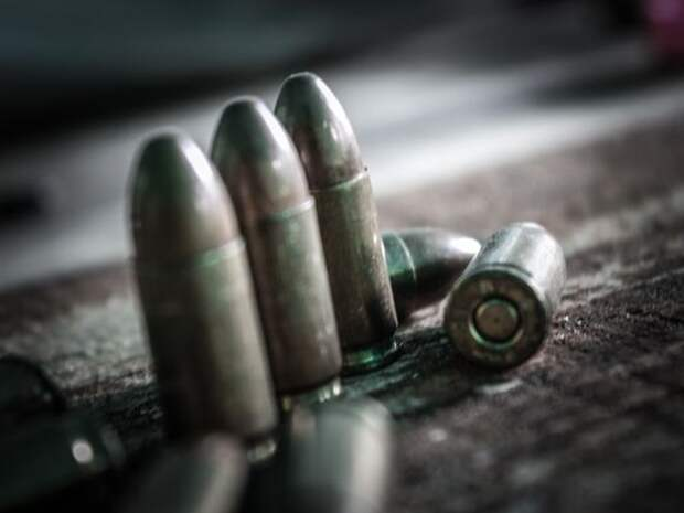 «Интерфакс»: В Дагестане силовики нашли крупный тайник с оружием