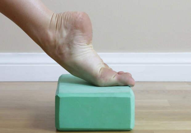 Вот 6 упражнений, чтобы мгновенно снять боль в ступнях и лодыжках