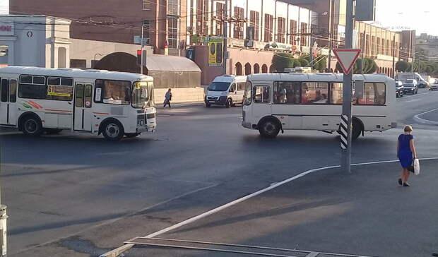 Частные перевозчики устроили мэрии Оренбурга бойкот