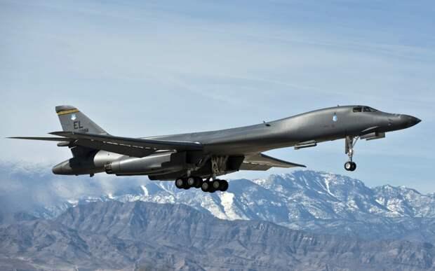 """Стратегический бомбардировщик B1-B """"Lancer"""" ВВС США. Источник изображения:"""