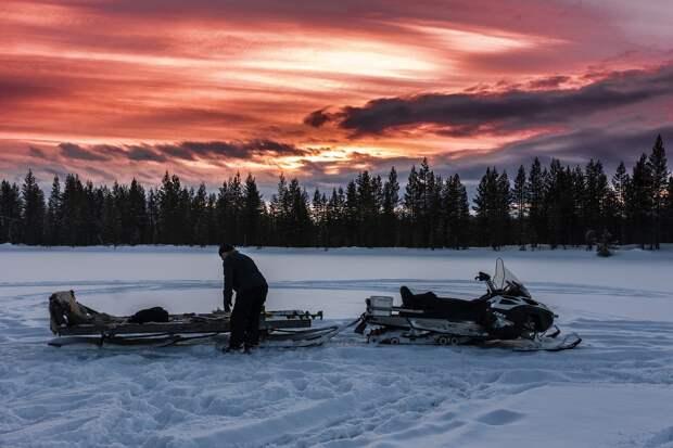 На Сахалине спасли провалившихся под лёд семерых человек