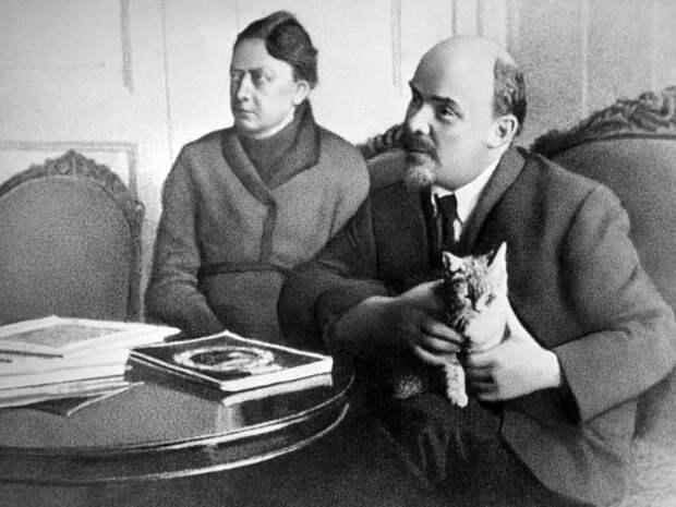 Изменяла ли Крупская Ленину