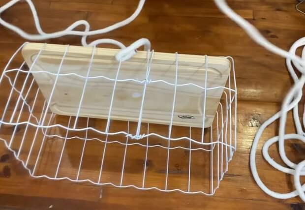 Садовая сетка, разделочная доска и канат для создания полезной вещицы для дома