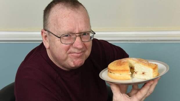 Мужчина съел обычный торт и опьянел. Это как?
