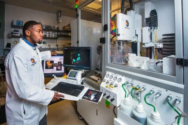 Исследователи построили в лаборатории маленький адронный коллайдер