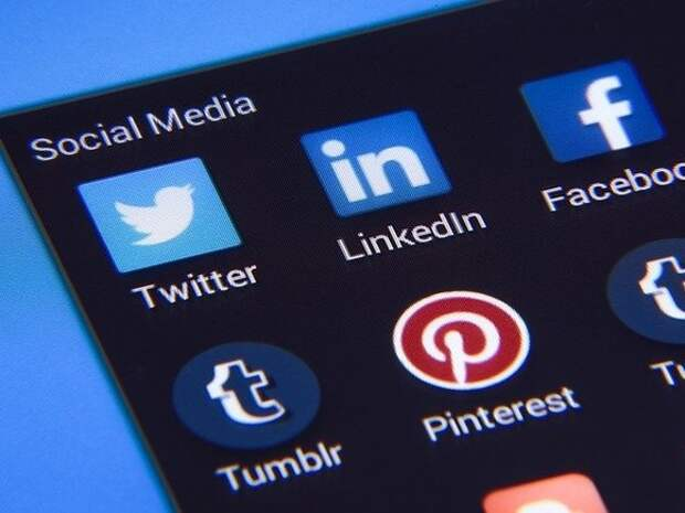 В Госдуме возьмутся за Facebook и YouTube