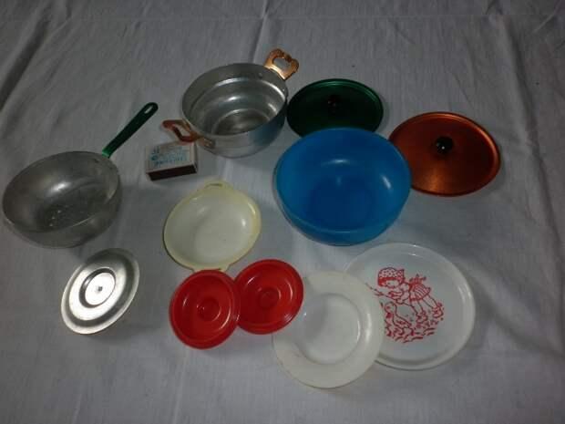Для малышей была своя посуда. /Фото: igrushki-ussr.ru