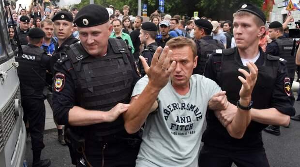 Голунов - серьезная сила: закончит с полицией, покончит с Навальным и его покровителем