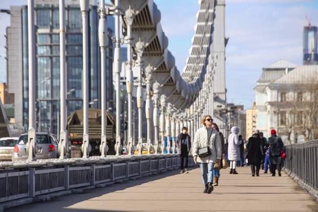 Синоптик обещал москвичам сухой и солнечный апрель