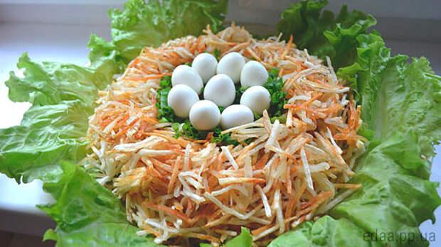 Салат пасхальное гнездо - фото иллюстративное