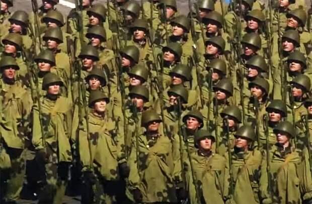 В сети обсуждается информация об инциденте с солдатом и автомобилем ФСО перед парадом Победы