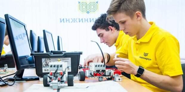 Депутат МГД Титов отметил рост интереса у столичных школьников к техническому творчеству / Фото: mos.ru