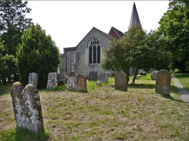 деревня Плакли Англия кладбище