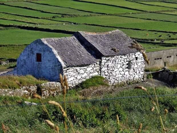 Ирландский каменный дом, 19 век. /Фото: wikipedia.org