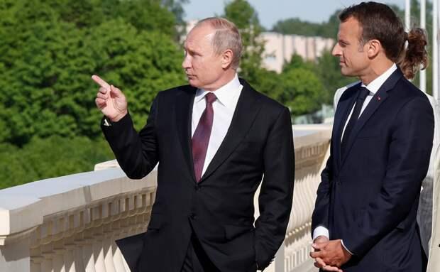 Макрон пригрозил обозначить «красные линии» Кремлю. Комментарии французов