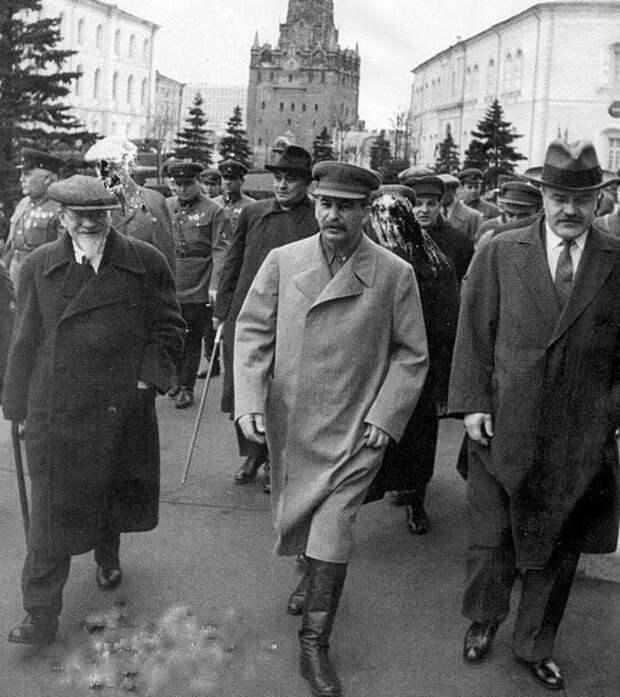Как Сталину удалось установить единоличную власть в СССР