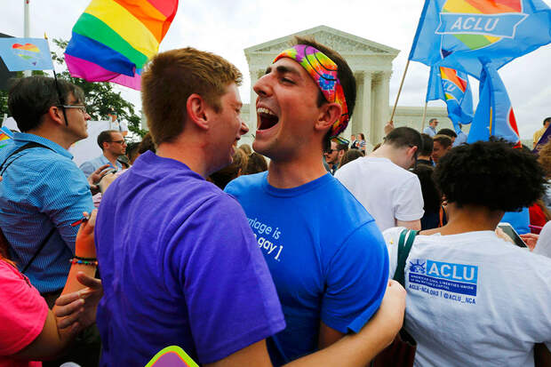 Ученые выяснили, как мужчины становятся геями