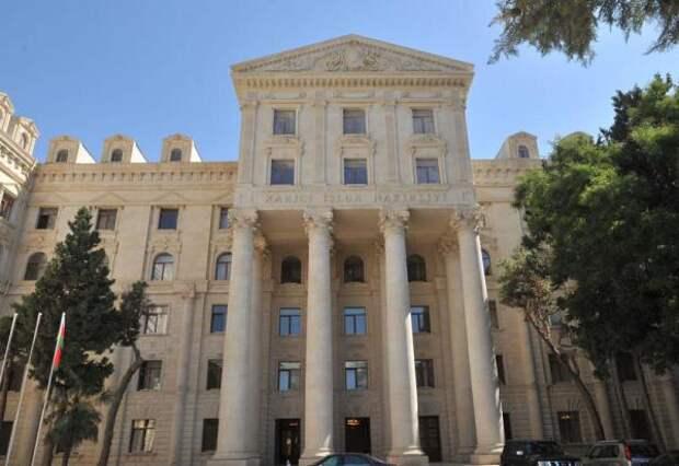Баку ответил Еревану поэтапностью: Выводите войска, мывозвращаем беженцев