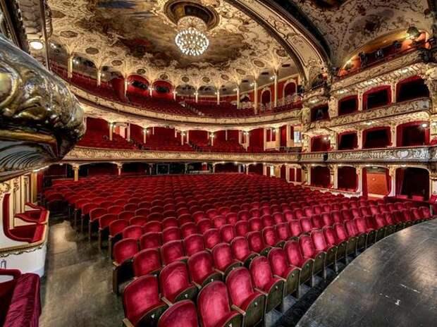Большой и другие: лучшие театры мира