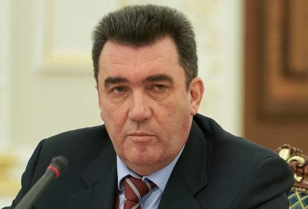 """Глава СНБО Украины назвал """"единственного человека"""", способного прекратить войну на Донбассе"""