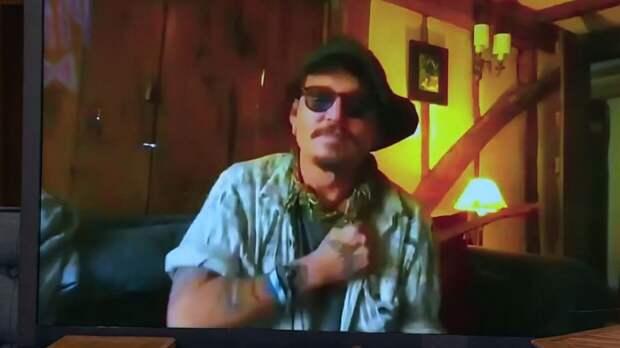 Джонни Депп впервые после скандала с Эмбер Херд появился в эфире российского ТВ