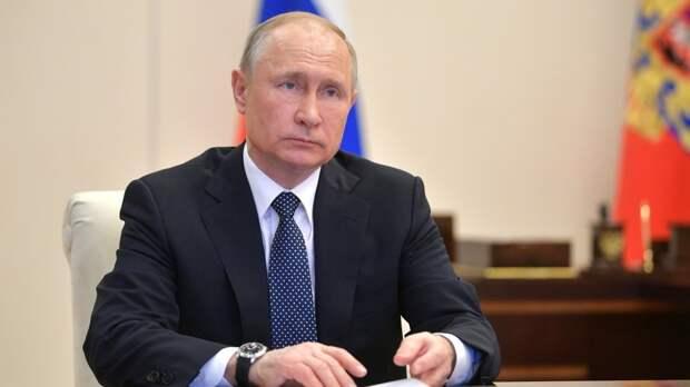 Президент России одобрил идею присвоения почетных званий 11 городам