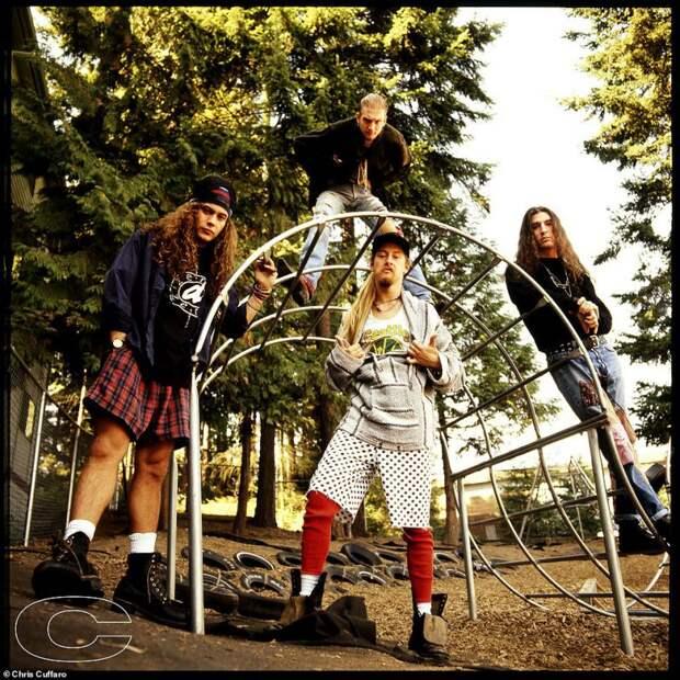 Последняя рок-революция: редкие фото культовых гранж-групп 90-х от Криса Куффаро