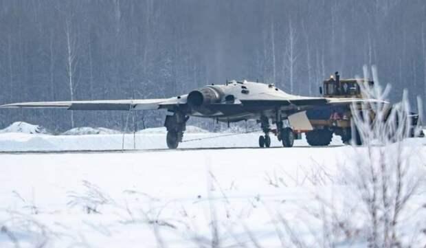 Летчик-испытатель рассказал о возможностях российского беспилотника С-70 «Охотник»