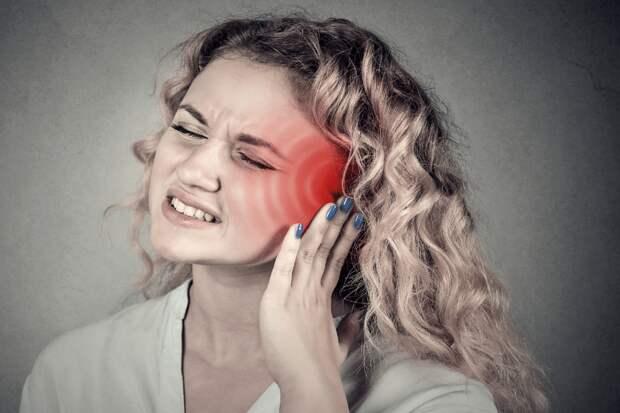 Невролог назвал болезни, на которые указывает звон в ушах и голове